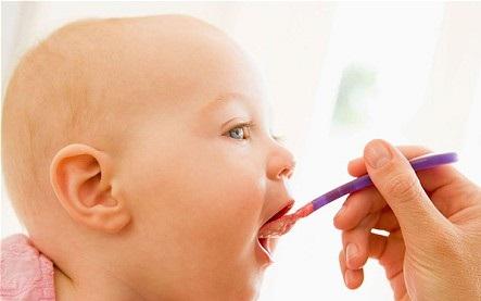 Bebeklere hangi ay ne yedirmeli?