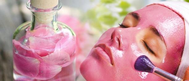 Gül suyu maskesinin cilde faydaları