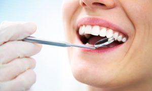 Diş Eti Neden Şişer? Diş Eti Şişmesine Ne İyi Gelir?
