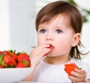 Bebeklere 1 yaşından önce hangi besinler verilmez?