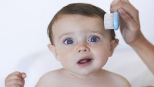 Bebeklerde Saç Dökülmesi Neden Olur?